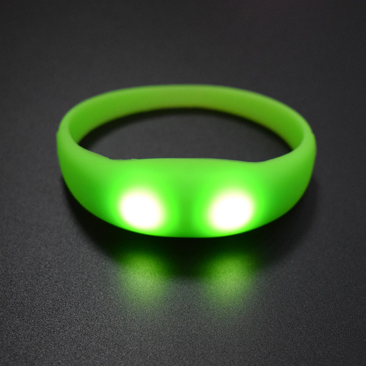 2019 Hot Sale Promotional Gift Sound Activated LED Bracelet For Party Music Voice Vibration Activated Sound Control Led Pulse Flashing Light Up Silicone Bracelet